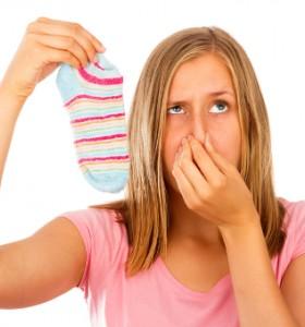 На какво се дължи неприятният мирис на краката