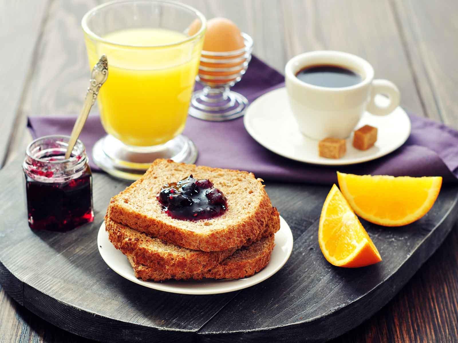 Защо не сме гладни, когато се събудим сутрин?