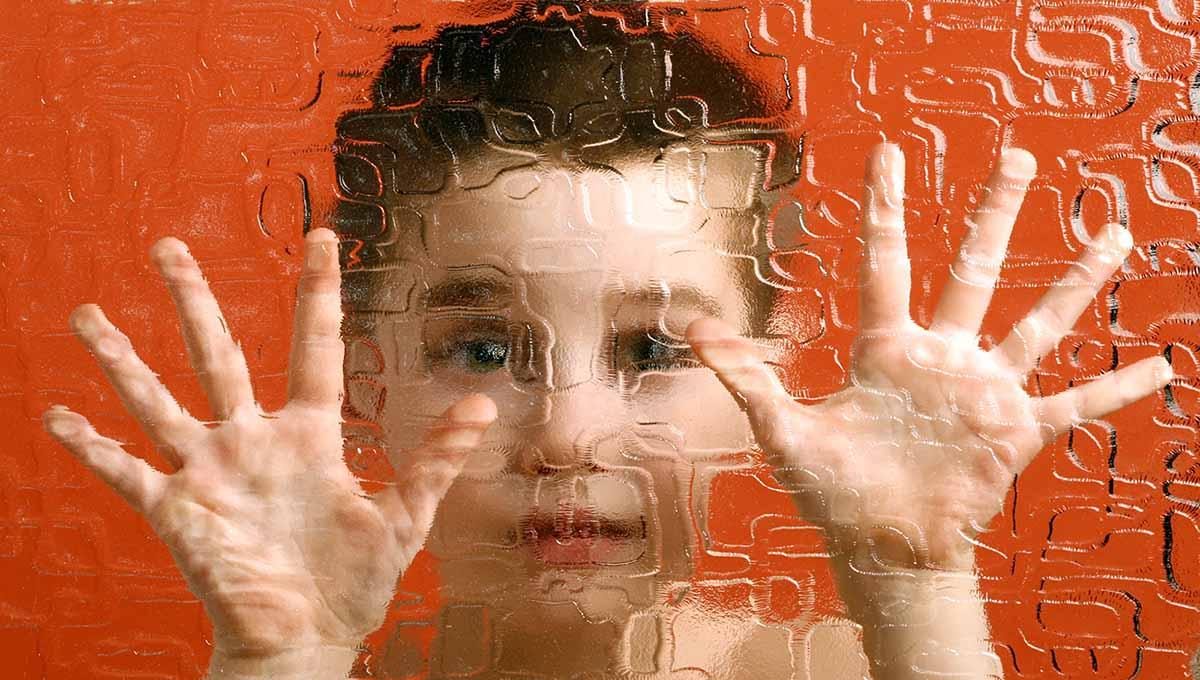 Аутизмът не е само в мозъка